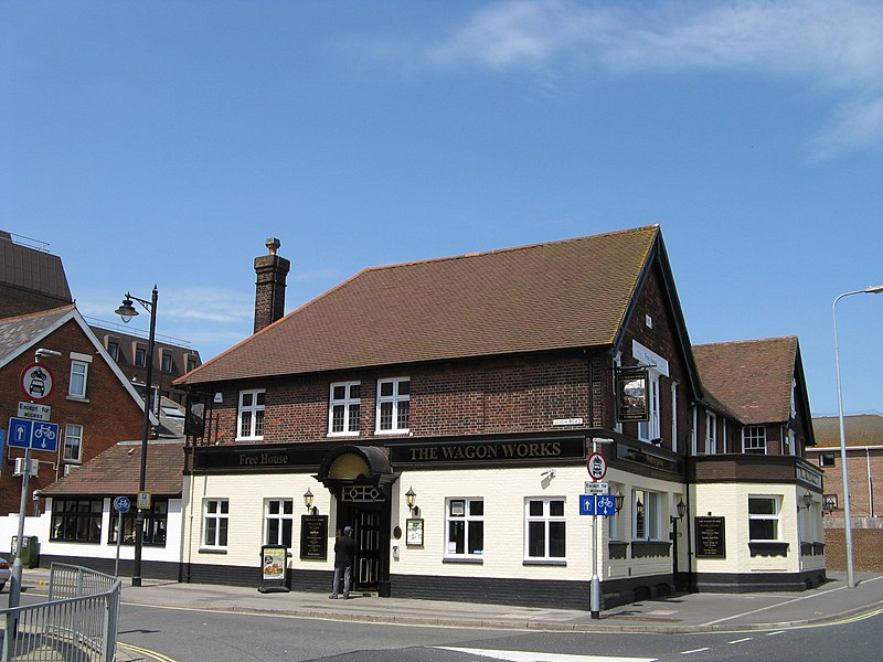 File:The Wagon Works pub Eastleigh.jpg
