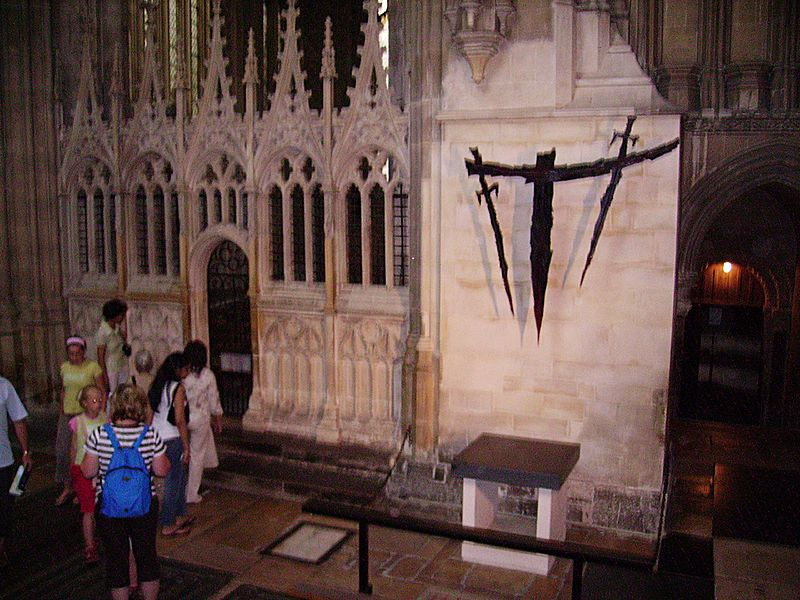 File:Thomas Becket in Canterbury Cathedral 03.JPG