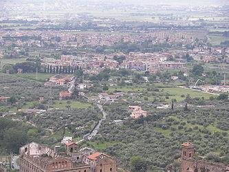 Tivoli from Villa d'Este.jpg