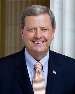 Tom Latham (politician) - Image: Tom Latham, official portrait, 112th Congress