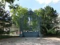 Tor des Jagdschlosses Glienicke 2013 - panoramio.jpg