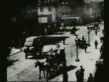Fichier:Traffic Crossing Leeds Bridge film.ogv