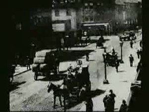 File:Traffic Crossing Leeds Bridge film.ogv