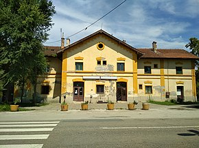 Train station of Sremski Karlovci 02.jpg