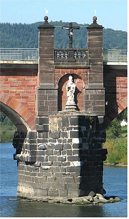 Trier-Römerbrücke.02-Statue