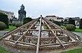 Tritonen- und Najadenbrunnen, frost protection 01.jpg