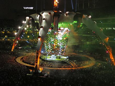 The U2 360deg Tour U2 360 Zooropa Oakland.jpg