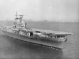 USS Hornet (CV-8) underway in Hampton Roads on 27 October 1941.jpg