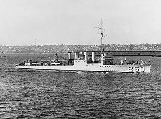 USS Lawrence (DD-250) - Image: USS Lawrence (DD 250) in San Diego harbor, 1935 (NH 64432)