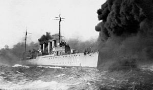 USS Lea (DD-118) laying smoke screen c1921
