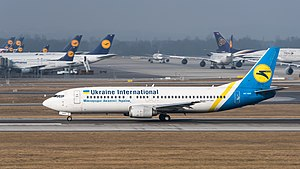 Ukraine International Airlines Boeing 737-4Z9 UR-GAO MUC 2015 02.jpg