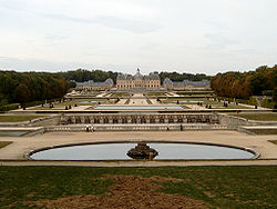 Vaux-le-Vicomte near Paris: Louis Le Vau and André Le Nôtre, 1661.