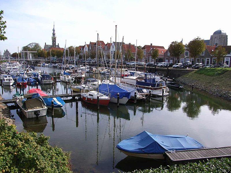 File:Veere harbour.jpg