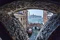 Venise - Pont des soupirs - Vue de interieur.jpg