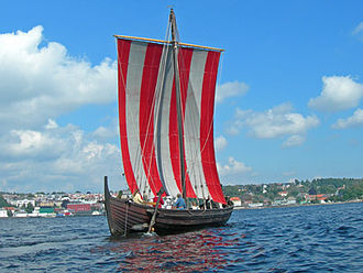 History of Ireland (800–1169) - Modern replica of a Viking Knarr.