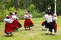 Viljandi folkdanslag på Hedemora gammelgård 2014 03.jpg