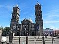 Vista frontal de la Catedral de Puebla 01.jpg