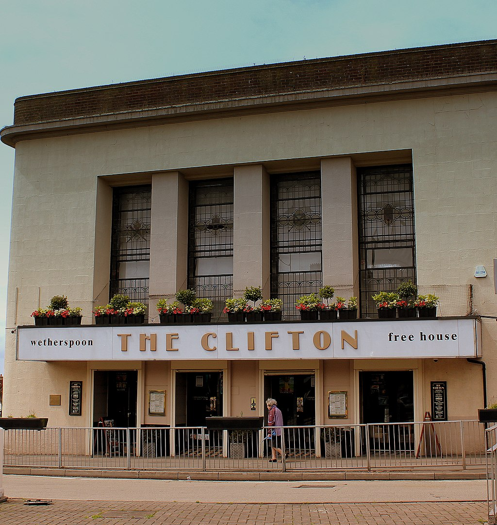 Creative Commons image of The Clifton in Sedgley