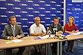 W konferencji uczestniczyli posłanka Agnieszka Hanajczyk, poseł Andrzej Biernat, poseł Artur Dunin (6148041752).jpg