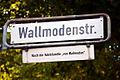 Wallmodenstraße in Hannover-Kleefeld, Straßenschild mit Legende, Nach der Adelsfamilie VON WALLMODEN.jpg