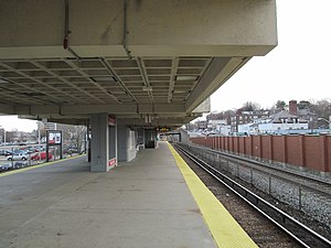 Wollaston (MBTA station) - Wollaston platform, showing the single commuter rail track at far right