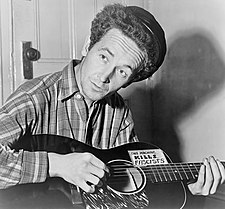 A cantaire estatounitense Woody Guthrie