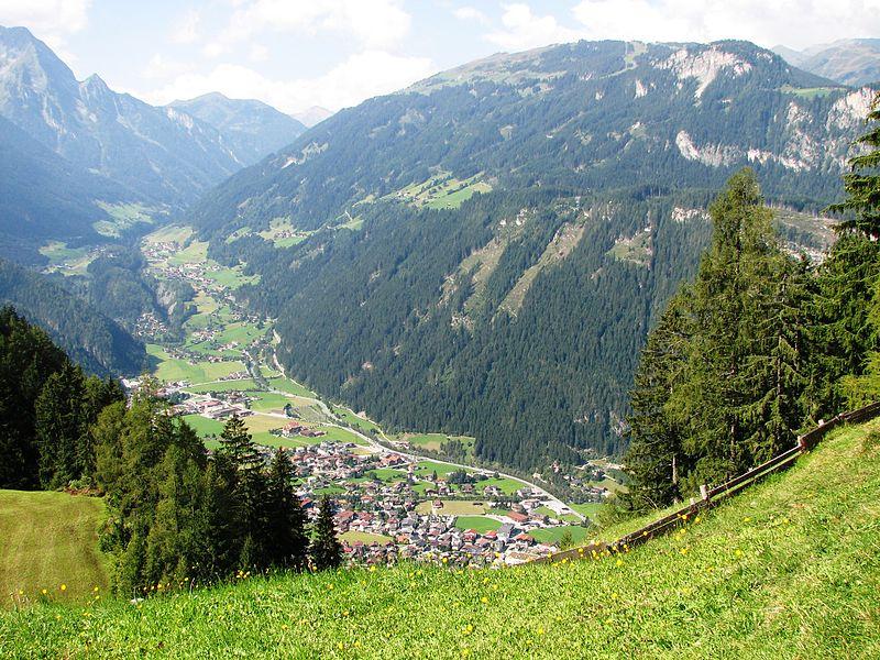 File:Zillertaler Berglandschaft.jpg