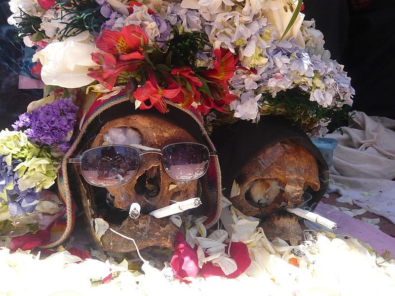 Ã'atita en el Cementerio General de La Paz.jpg