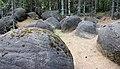 Глыбы и валуны, возраст которых оценивается в 253 млн.лет.JPG