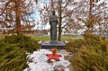 Недашки. Братська могила радянських воїнів та пам'ятник воїнам-односельчанам. Прекрасна композиція.jpg