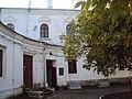 Служебный корпус у Передних ворот - южный жилой дом чиновников богадельни 04.JPG