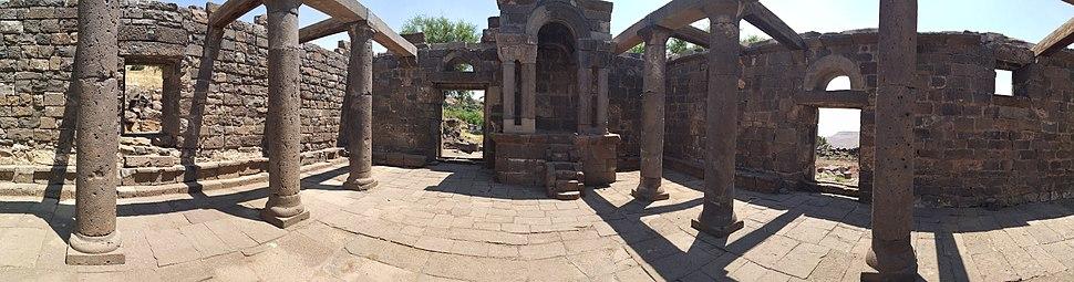 פנים בית הכנסת אום אל קנטיר