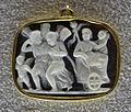 052 arte forse pseudoantica, due psichai che tirano il cocchio di arianna, xv-xvi sec, calcedonio.JPG