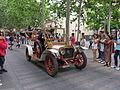090 Fira Modernista de Terrassa, desfilada de cotxes d'època a la Rambla.JPG