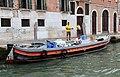0 Venise, débardeurs sur le Grand Canal à hauteur de la Fondamenta Riva di Blasio.jpg