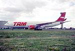 144fr - TAM Airbus A330-223, PT-MVC@CDG,10.08.2001 - Flickr - Aero Icarus.jpg