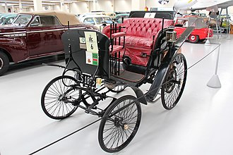 Automotive industry in New Zealand - The 1895 Benz Velo brought back by Oates from Paris to Christchurch in 1900