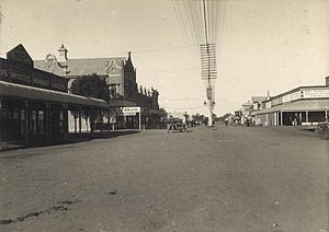 Roma, Queensland - McDowell Street looking east, 1915.
