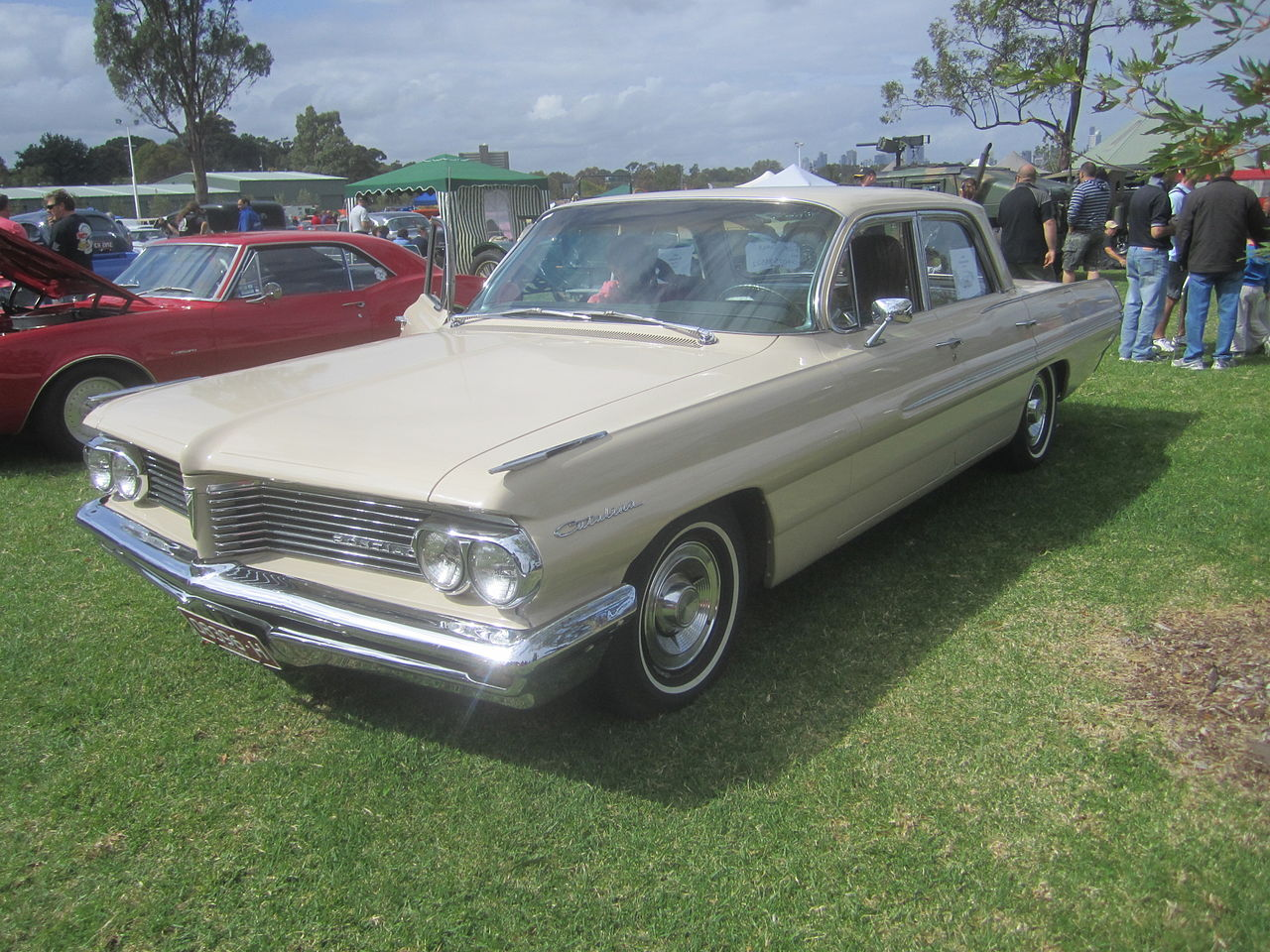 File:1962 Pontiac Catalina Sedan.jpg - Wikimedia Commons