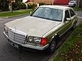 1982 Mercedes-Benz 380 SE (W 126) sedan (2015-05-29) 01.jpg