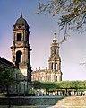 19861002101NR Dresden Brühlsche Terrasse Ständehaus Hofkirche.jpg