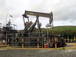 """Kimmeridge - The """"nodding donkey"""" oil pump beside the cliff west of the village"""