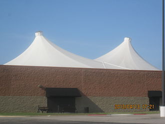 Fabric structure - Image: 2013 04 13 eastgate 003