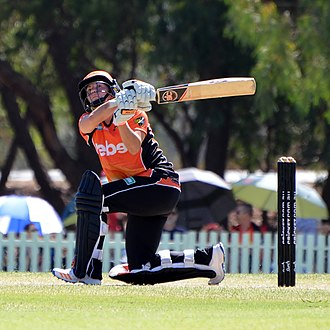 Katherine Brunt - Brunt batting for Perth Scorchers, 2017