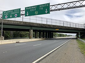 2018-09-11 12 43 30 View east along New Jersey State Route 446 (Atlantic City Expressway) just west of Exit 7 in Egg Harbor Township, Atlantic County, New Jersey.jpg