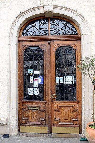 Restaurant Le Paris, 3-5, Um Bad zu Munneref.