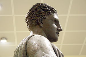 Piraeus Artemis - Hellenistic hair style