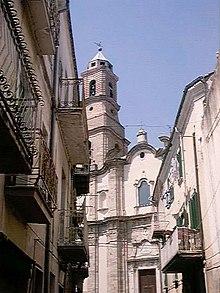 Il borgo di San Martino in Pensilis (CB): veduta della Chiesa di San Pietro Apostolo