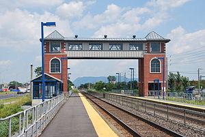 Saint-Basile-le-Grand station - Image: AMT Saint Basile