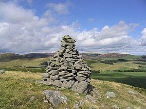 A cairn on Cauld Face.